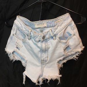 very short pacsun ripped jean shorts😄